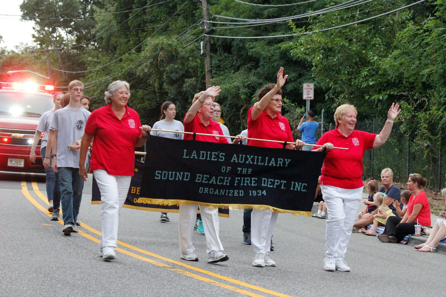 New york suffolk county sound beach - The Sound Beach Fire Department Ladies Auxiliary Waves To The