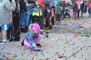 Excited Holtsville Hal fans collected streamers as a keepsake from Groundhog Day. Photo by Alex Petroski