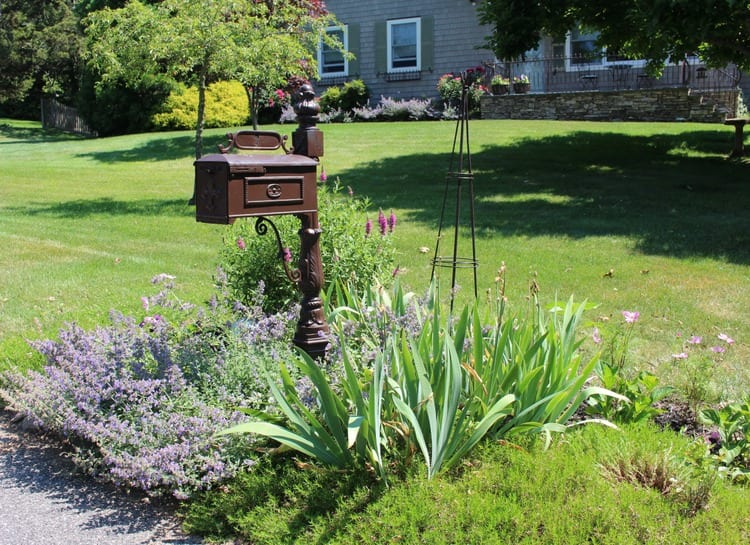 Street gardens honored in the Three Villages - TBR News Media